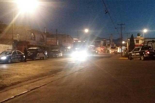 Retienen huachicoleros a dos policías en Xonacatepec