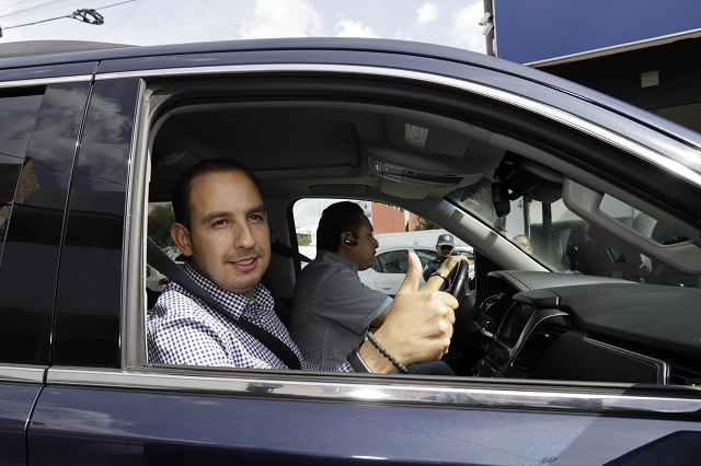 Ser precandidatos no libra de la ley a panistas: Barbosa