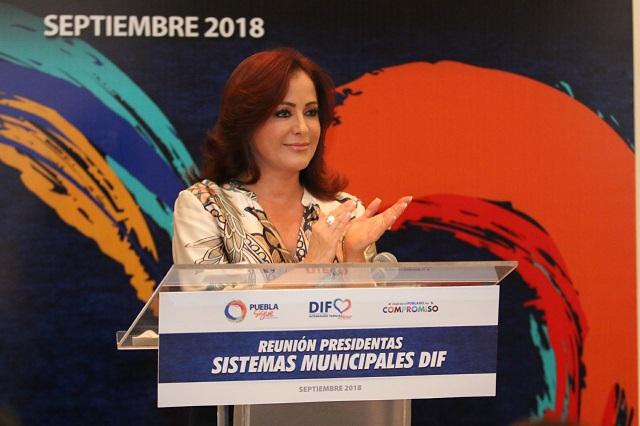 Dinorah López de Gali se reúne con presidentas y directores de SMDIF