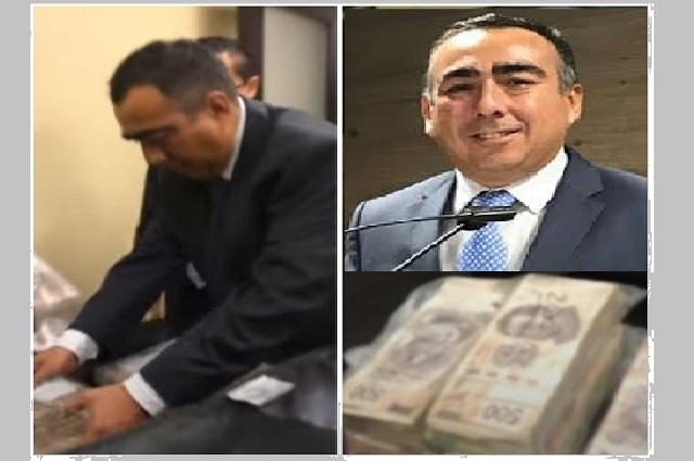 Hombre del video de billetes tiene contratos con la 4T