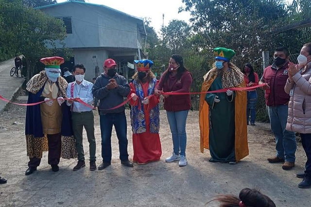 Reyes Magos llegan a las comunidades de Huauchinango
