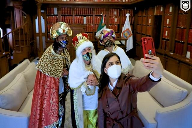Los Reyes Magos visitan la ciudad de Puebla