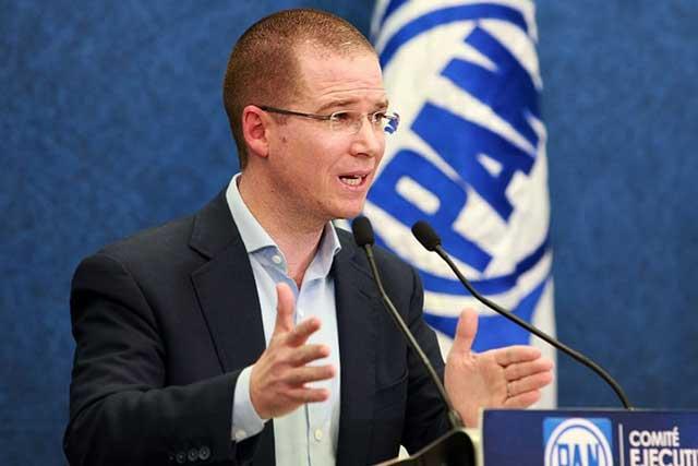 Ciudadanos presentan denuncia contra Ricardo Anaya