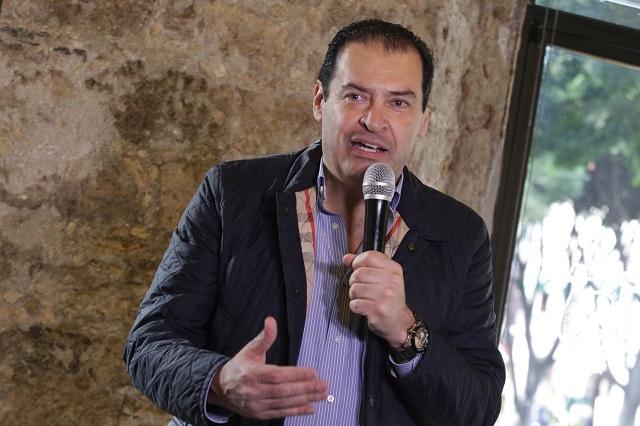 Reporta federación que Ricardo Urzúa es dueño de 45 gasolinerías