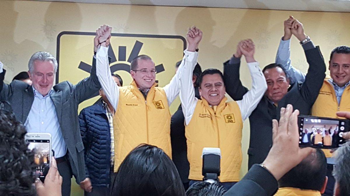 El panista Ricardo Anaya se convierte en precandidato presidencial del PRD