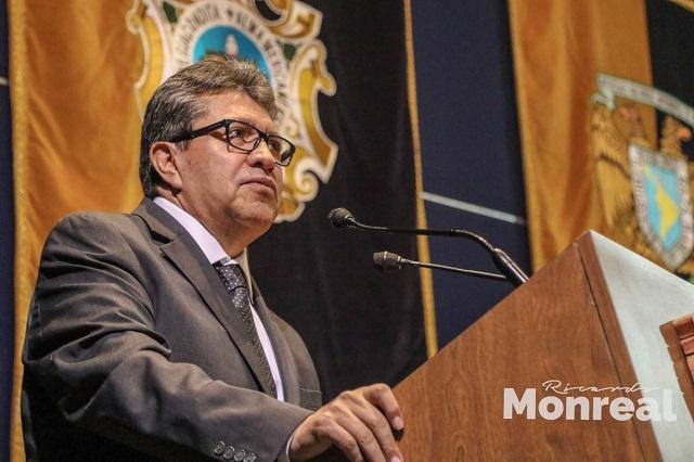 Monreal afirma que los senadores no recibirán en diciembre bonos adicionales