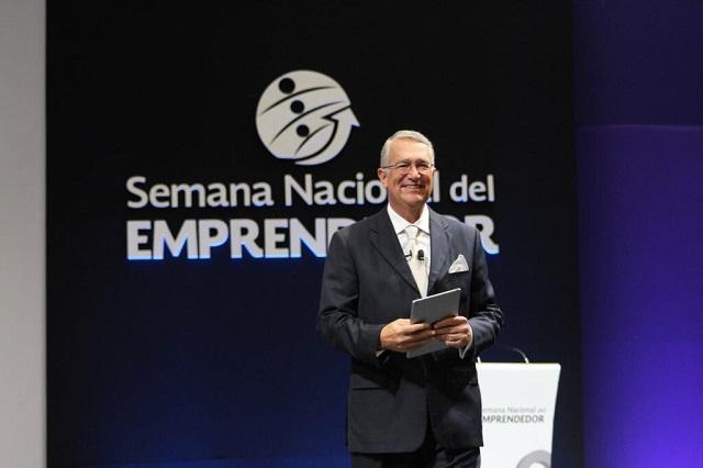 Salinas Pliego plantea legalizar todas las drogas y convertirlas en negocio