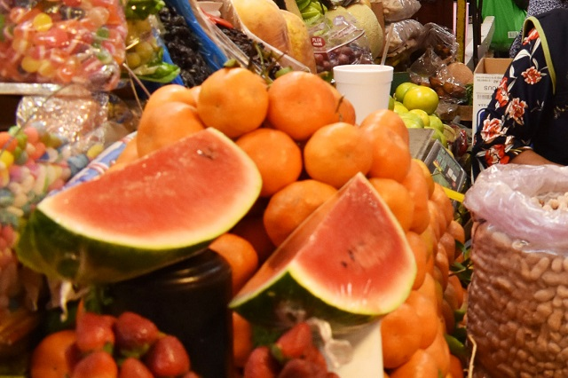 Advierten que comprar fruta cortada es un riesgo para la salud