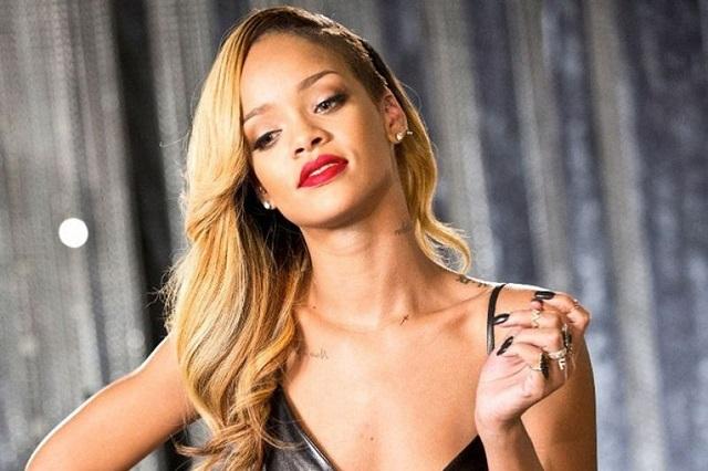 Rihanna rechazó propuesta de participar en próximo Super Bowl