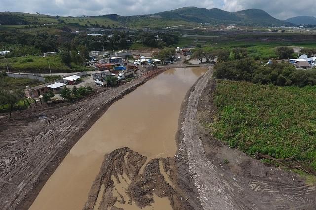 Puebla solo hace exhortos a empresas que contaminan el Atoyac