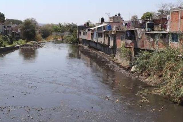 Creciente de río Nexapa amenaza 300 casas de Izúcar de Matamoros