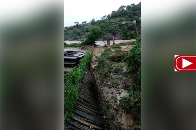 Se desborda río en Tecomatlán por las intensas lluvias