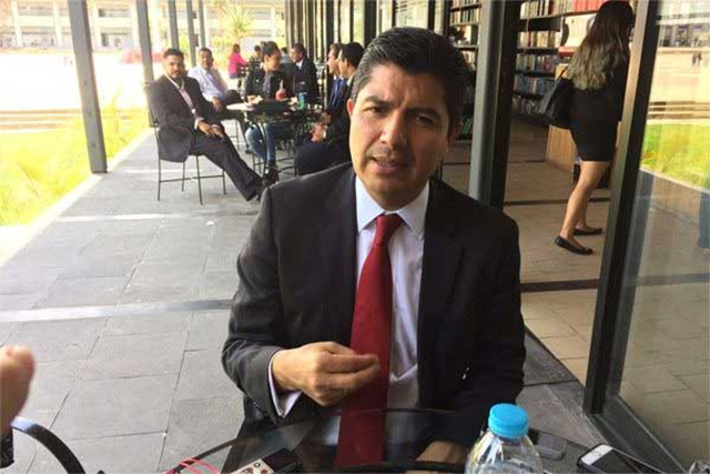 Se desiste Congreso de queja en contra de amparo de Rivera Pérez