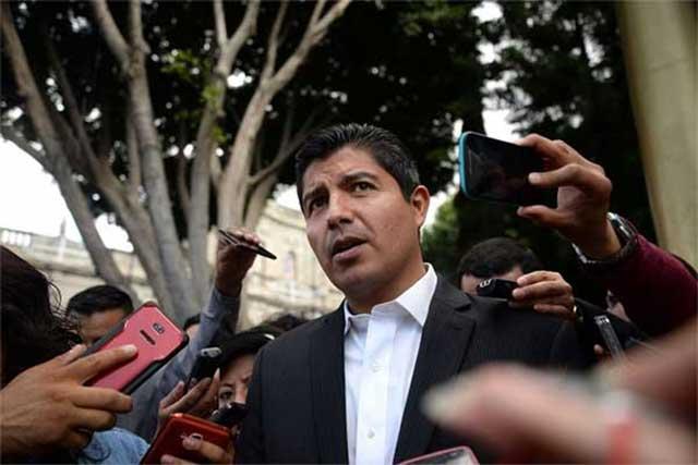 Mi sanción es un puntapié político de RMV, sostiene Rivera