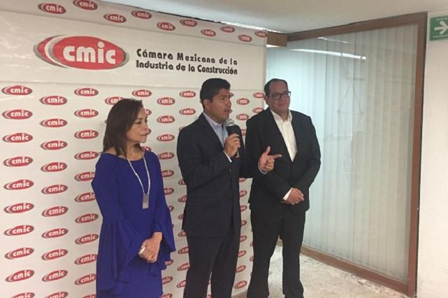 Lalo Rivera debate en la BUAP si invitan rector o CU