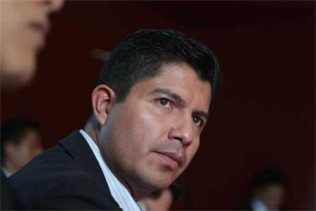 Otra vez intenta Congreso dilatar juicio de amparo de Rivera Pérez