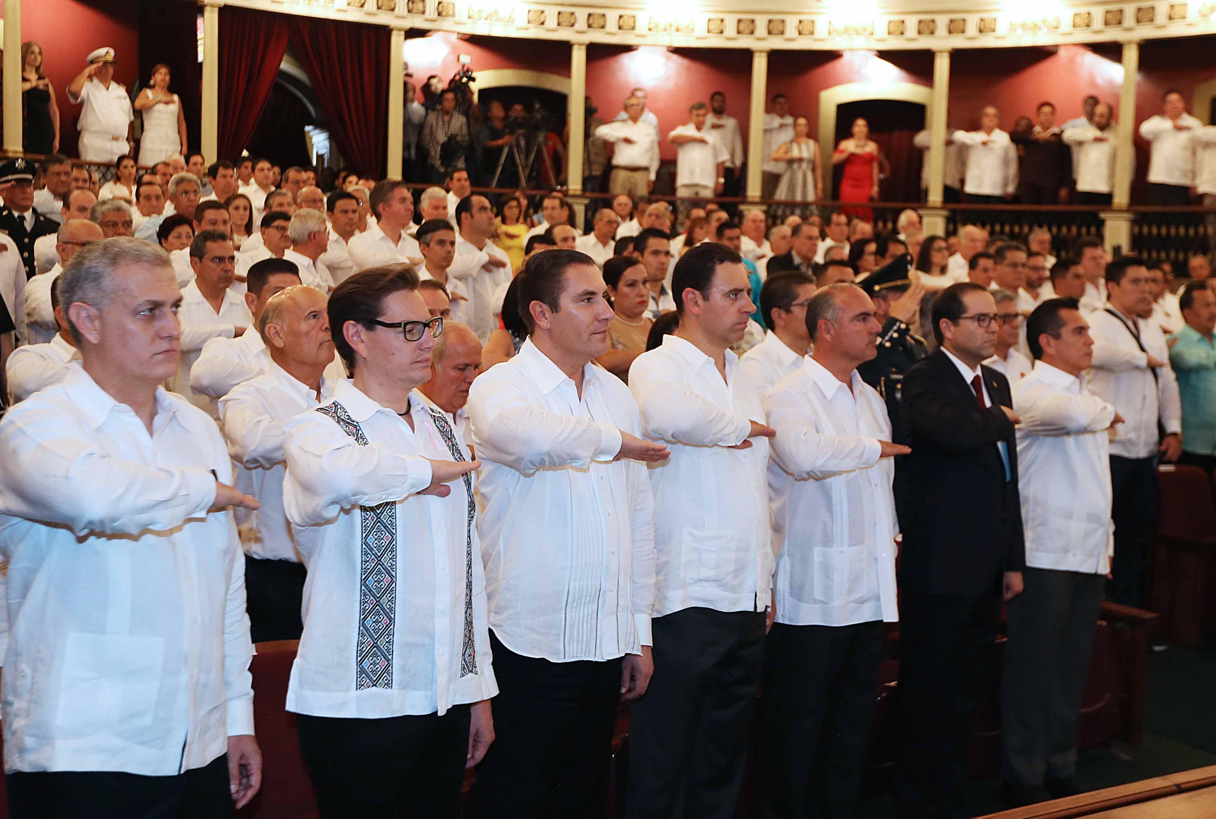 RMV asistió al primer informe de su  homólogo de Colima, Ignacio Peralta
