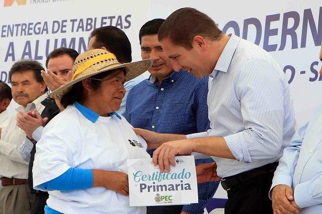 Inaugura Moreno Valle camino en Huejotzingo