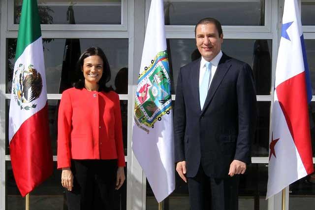 El gobernador RMV recibe a la vicepresidenta de Panamá, Isabel Saint