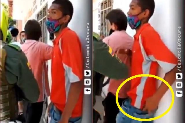 ¡El colmo! Roba celular al policía que lo salvó de ser linchado