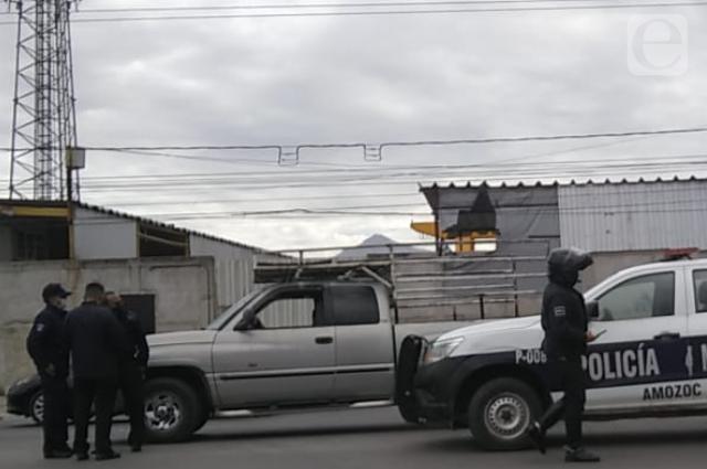 Roba camion refresquero en Amozoc, choca y lo apresan