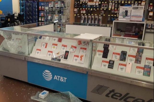 Vuelven a robar celulares, ahora en Walmart de Parque Puebla