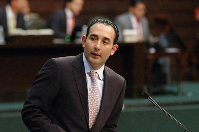 Niega Roberto Gil que tenga cochinito de 31 mdp para ser diputado federal