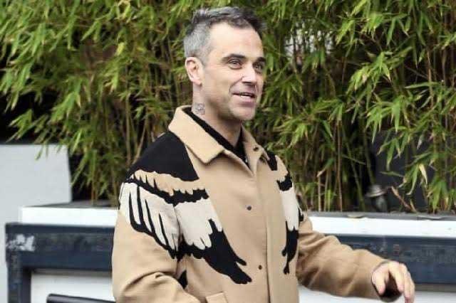 Robbie Williams sufre consecuencias por el uso de bótox
