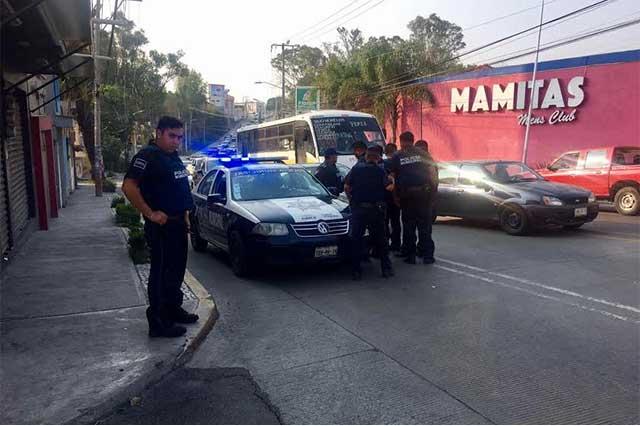 Ladrones balean a policías y huyen en coche robado en La Hacienda