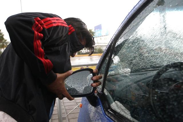 Aseguran a 56 personas por robo de autopartes este año