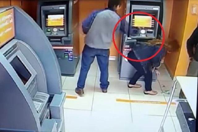 Revelan modus operandi de ladrones en cajeros automáticos