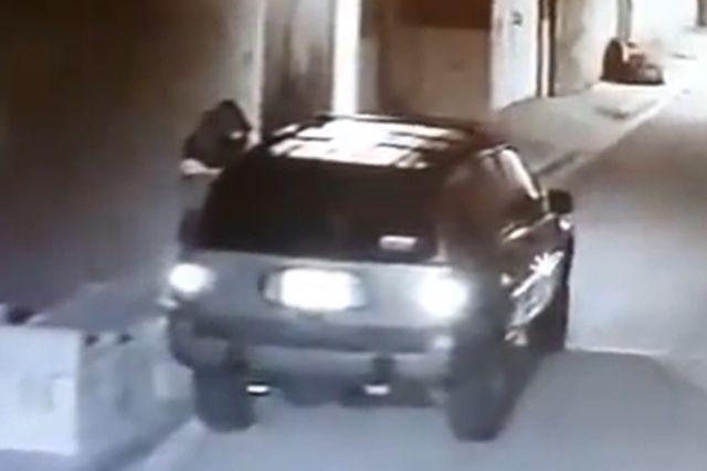 En menos de dos minutos roban camioneta en Cholula
