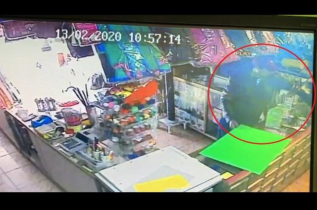 Captan robo de celular en papelería de Huejotzingo