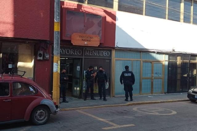Se llevan 6 mil pesos tras asalto a vinatería en Huauchinango