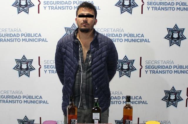 Policía de Puebla detiene a 5 personas por robo a negocio