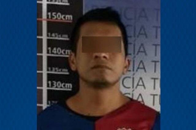 Policía Turística asegura a un hombre por robo de autopartes