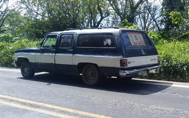 Aseguran camioneta con mil 200 litros de combustible en Xicotepec