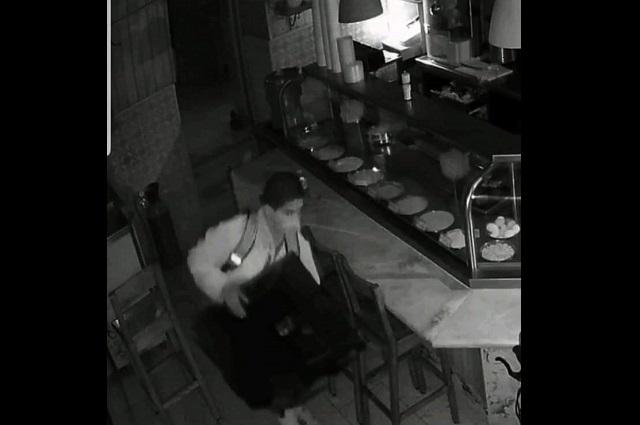 Asaltantes de Atlixco aprovechan cierre de negocios para robar