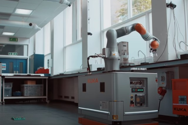 Diseñan robot que realiza sus propios experimentos científicos