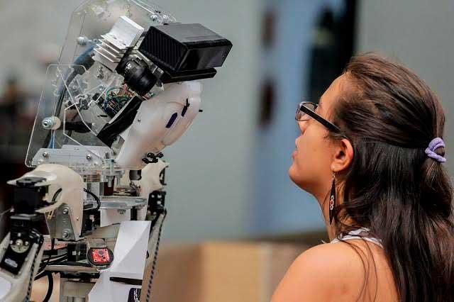 Golem III, el robot mexicano que se comunica y toma decisiones