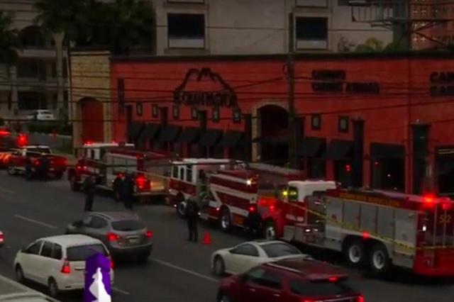 Comando rocía con gasolina restaurante en Monterrey y le prende fuego