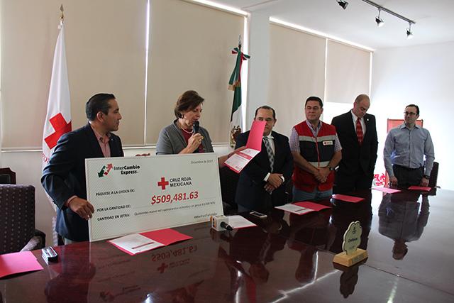 Cruz Roja en Puebla sigue brindando ayuda tras el sismo