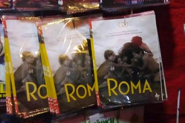 Roma ya se vende en puestos de películas pirata