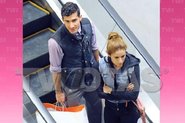 Paola Espinosa y Rommel Pacheco discuten en centro comercial