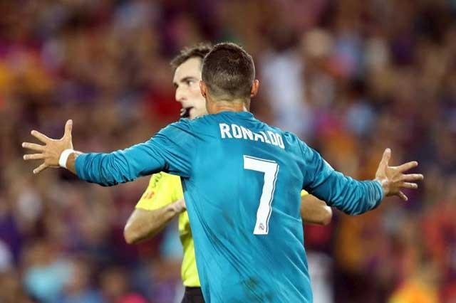 Cristiano Ronaldo suspendido 5 partidos por agredir al silbante