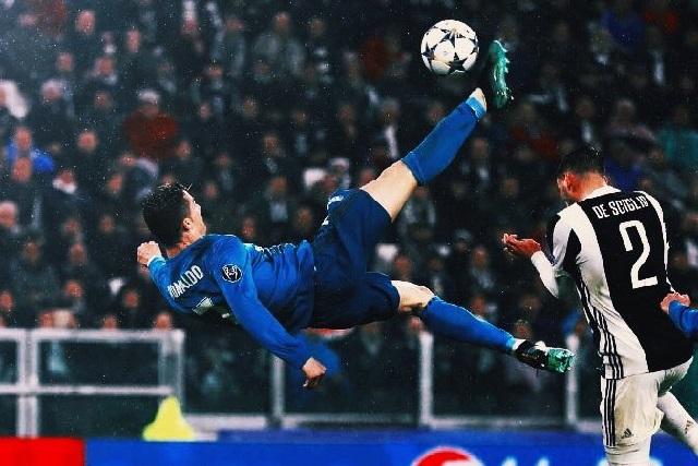 Golazo de Cristiano Ronaldo que hizo se le rindiera el Juventus Stadium