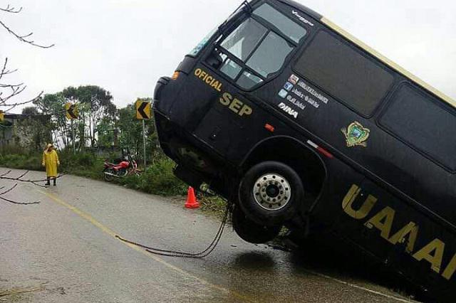 La Rondalla de Saltillo sufre accidente por exceso de velocidad