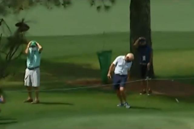 Masters de Augusta: Rory McIlroy pega por accidente un bolazo a su padre