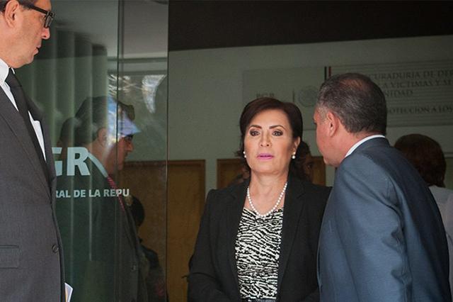 Increpa diputado a Rosario Robles y le advierte que la denunció en la PGR