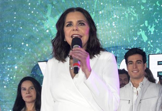 Productora de Televisa dice José Joel sí podía ver a José José en foros